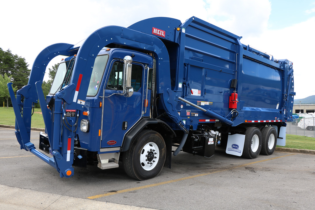 Half/Pack Front Load Garbage Trucks