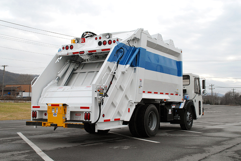 PT 1000 Rear Load Garbage Trucks