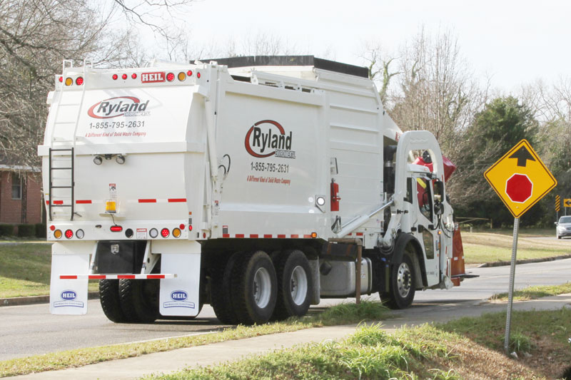 Automated Trash Truck With Curotto Arms