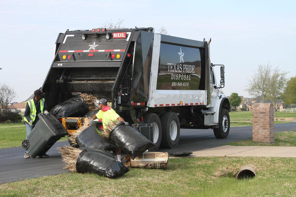 Heil DuraPack 5000 Rear Load Garbage Truck