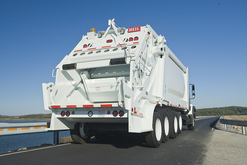 PowerTrak Commercial Plus Trash Truck With Big Capacity