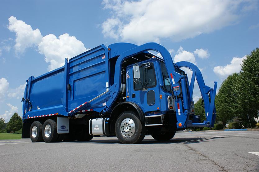 Half/Pack Freedom Frontloader Trash Truck