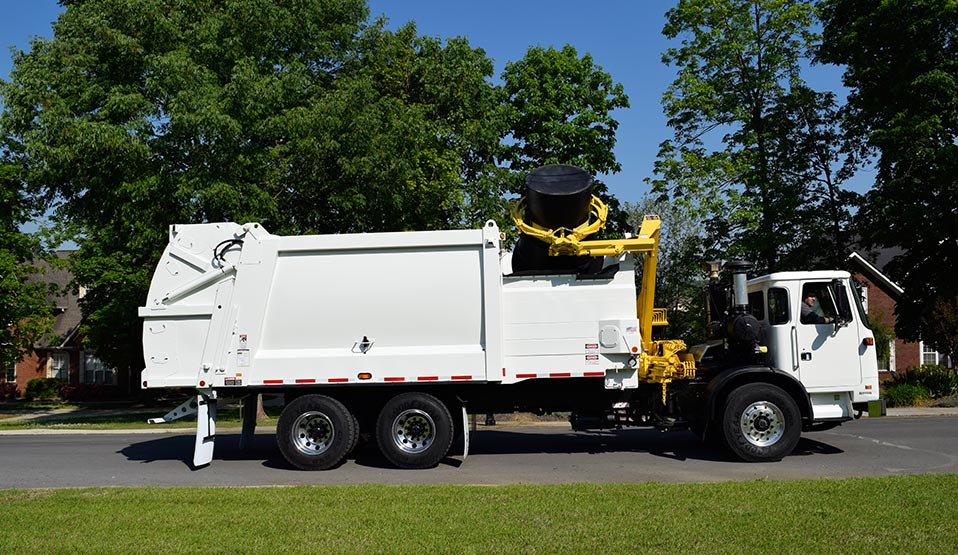 DuraPack Rapid Rail Side Load Garbage Trucks