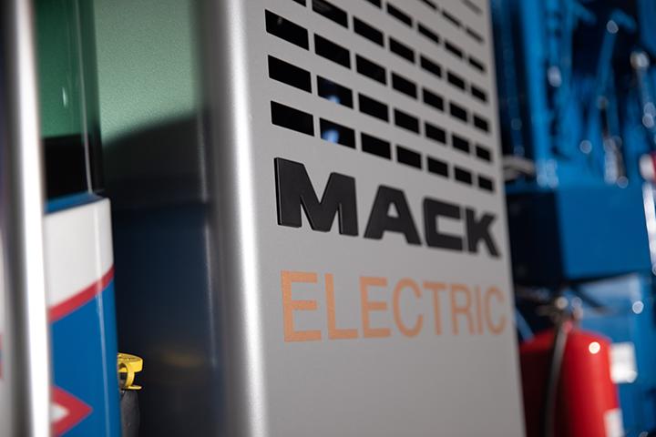 Mack Electric Garbage Truck